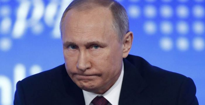 Se agudiza la crisis entre Londres y Moscú con la expulsión de una veintena de diplomáticos británicos