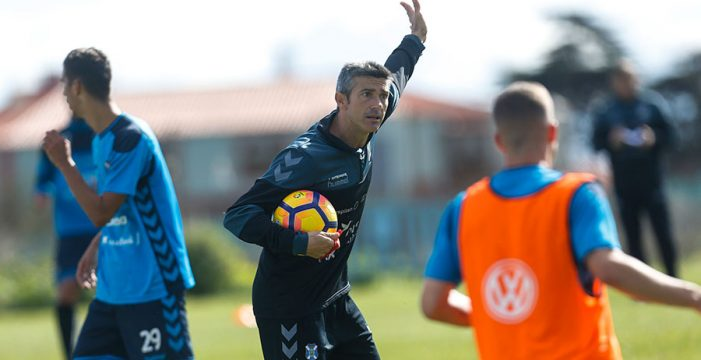 El CD Tenerife acaba 2016 donde quería estar: a un punto del 'play-off'