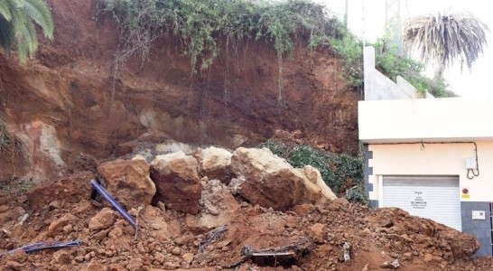 Técnicos insulares descartan un derrumbe inminente en el talud de Tosca Barrios