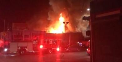 Aumentan a 30 los fallecidos en el incendio de Oakland