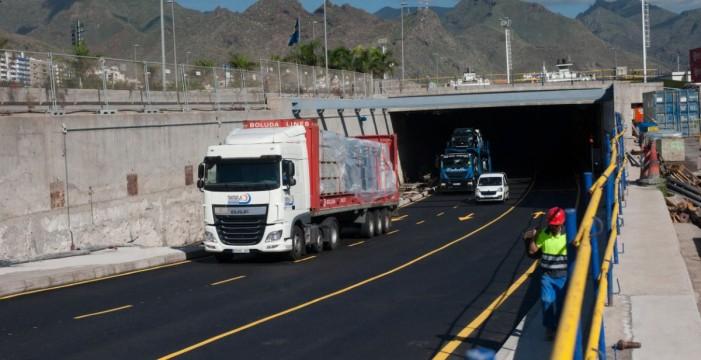 Obras Públicas cede a Santa Cruz el uso de la superficie del túnel de la Vía Litoral