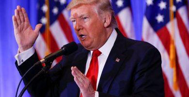 """Trump dice que las noticias contra él son producto de """"gente enferma"""""""
