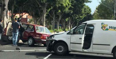 Colisionan dos vehículos en Santa Cruz de Tenerife
