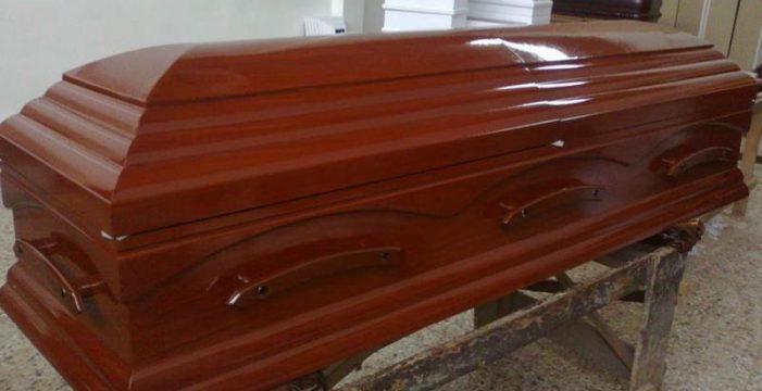 Un hombre dado por muerto comienza a gritar en su propio funeral