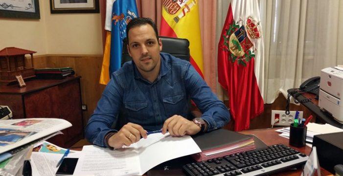 Jonathan Felipe da un paso a un lado y deja libre el camino a Nieves Lady para dirigir CC