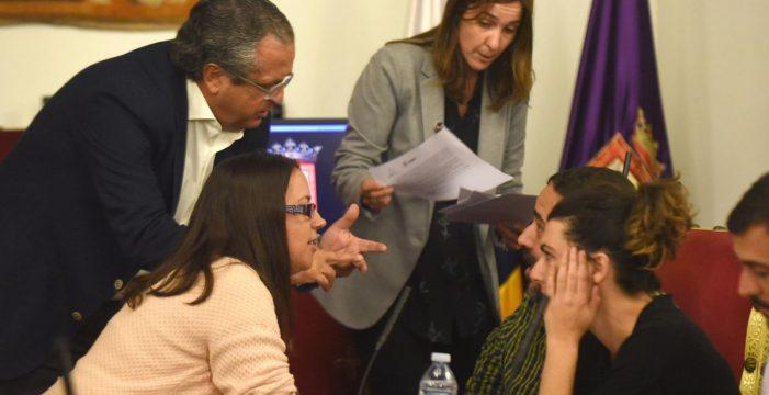 El PSOE lagunero, dispuesto a estudiar la censura al alcalde José Alberto Díaz (CC)