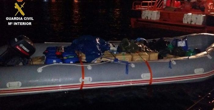 Localizan una embarcación en la costa de Fuerteventura con 1.700 kilos de hachís