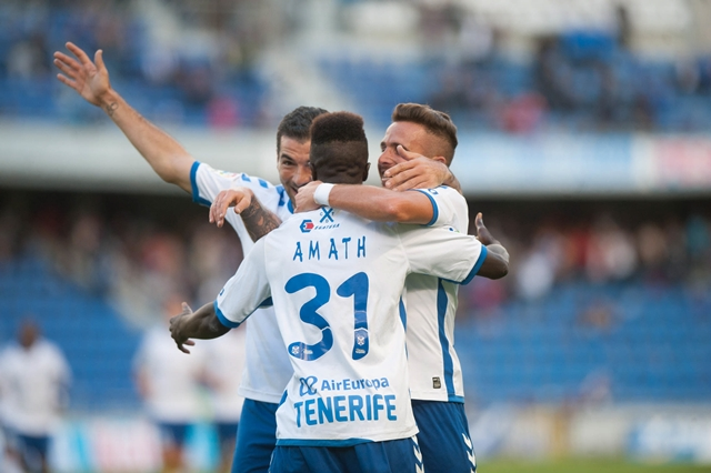 la victoria ante el Alcorcón dejó a los insulares muy cerca de los puestos de ascenso a Primera División. Fran Pallero