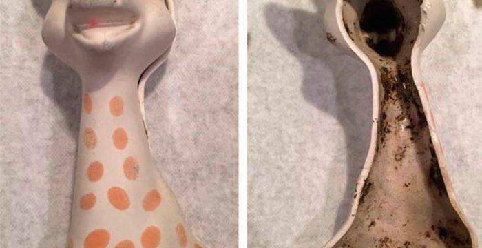 Denuncian la aparición de moho en un conocido mordedor para bebé, la Jirafa Sophie