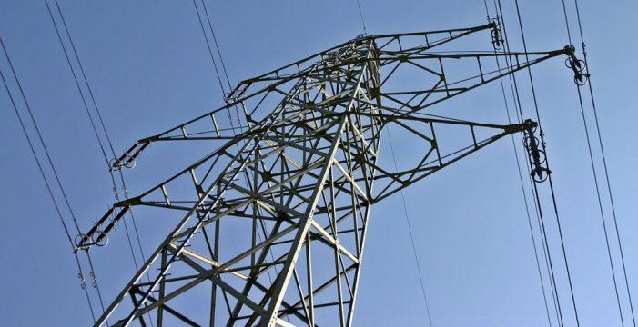 SSP propone que las empresa de luz, agua y gas paguen una tasa ocupar suelo público