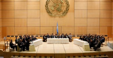 Gobierno y oposición siria se sientan cara a cara por primera vez en 3 años   REUTERS/Pierre Albouy