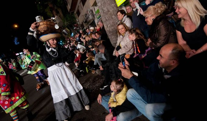 El pueblo de Santa Cruz sale hoy a la calle a disfrutar de su fiesta