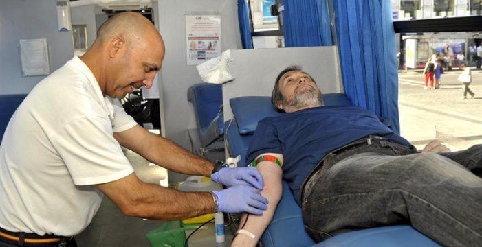 Sanidad canaria aclara que no está vendiendo la sangre donada