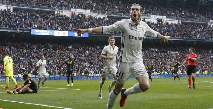 El Real Madrid gana al Espanyol 2-0 y se mantiene líder