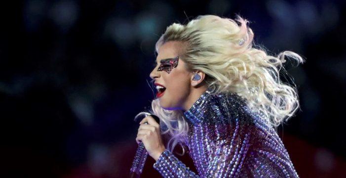 Lady Gaga reprograma en enero los conciertos aplazados en Barcelona