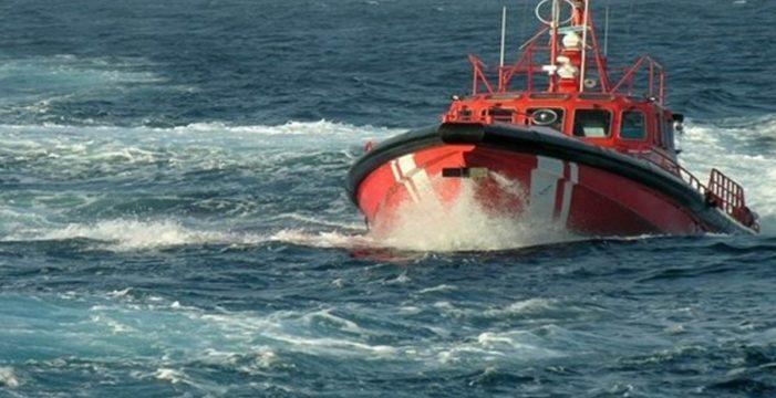 Rescatadas 59 personas, entre ellas un bebé, en una patera localizada al sur de Gran Canaria
