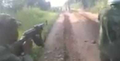 Soldados congoleños asesinan a milicianos armados con tirachinas y estacas