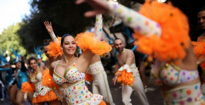 Buen tiempo en Carnaval, aunque lloverá algo en el norte