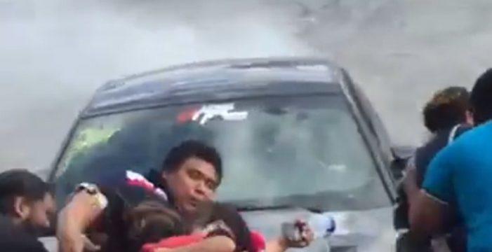 Un conductor arrolla a 12 personas durante una exhibición