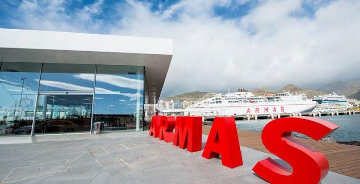 Naviera Armas estrena terminal en Santa Cruz