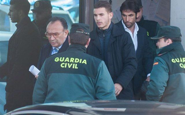 Condenados el futbolista Lucas y su expareja a 31 días de trabajo a la comunidad