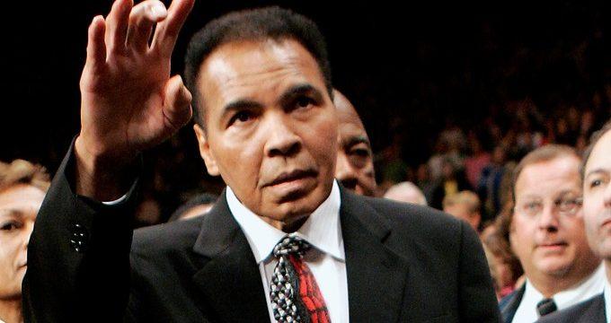 Retienen al hijo de Muhammad Ali en el aeropuerto de Florida