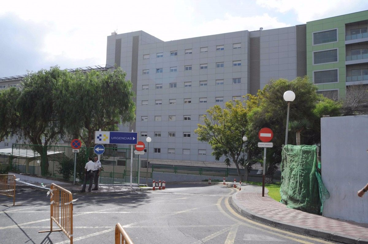 Imagen de archivo del acceso a las Urgencias del Hospital de la Candelaria. Sergio Méndez