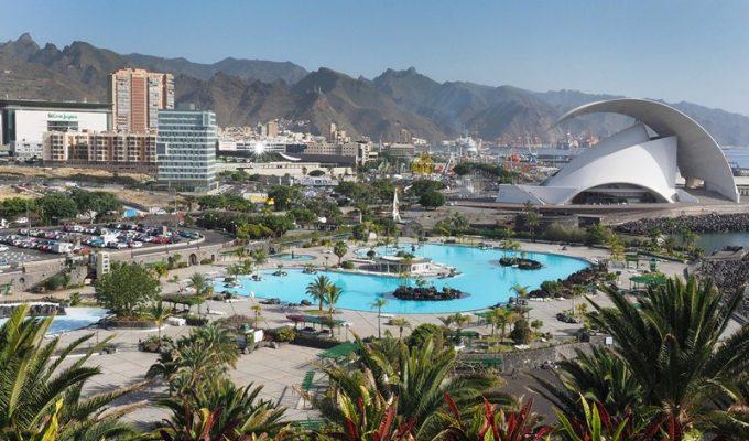 El retraso del Plan del Parque Marítimo pone en riesgo la viabilidad de las piscinas
