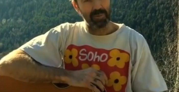 Pau Donés responde a su enfermedad cantando