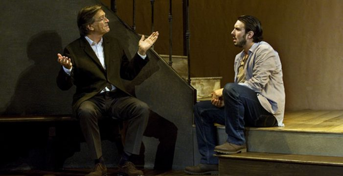 Josep María Flotats dirige  e interpreta en el Guimerá la obra teatral 'Serlo o no'