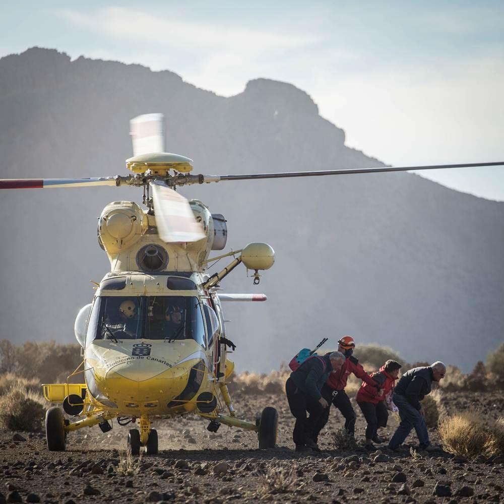 Labores de evacuación. | ANDRÉS GUTIÉRREZ
