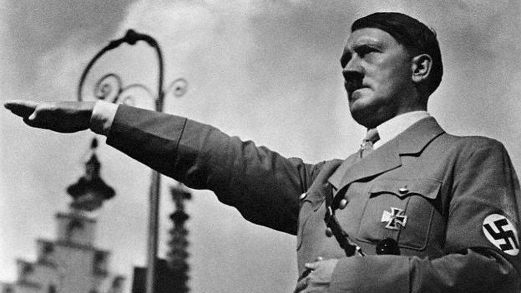 Adolf Hitler, canciller imperial de Alemania (1933) y führer (1934-45). / DA