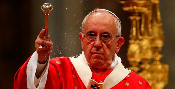 El Papa critica a los cristianos que consultan horóscopos o van a adivinos