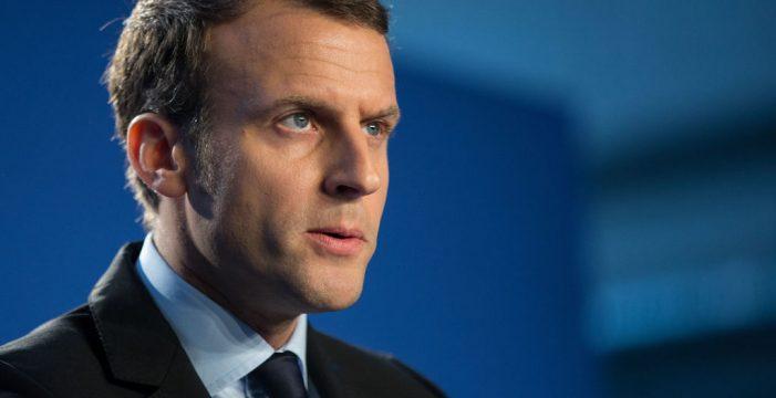 """La Fiscalía investiga por """"favoritismo"""" un viaje de Macron cuando era ministro"""