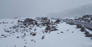 Temporal de lluvia y granizo en Canarias y… ¡nevando en el Teide!