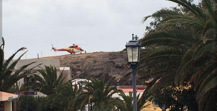 Un helicóptero rescata a 21 senderistas retenidos por caudal en un barranco de Fuerteventura