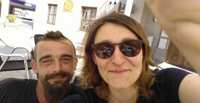Se entera por Facebook que su hermano había muerto 8 días atrás en Tenerife
