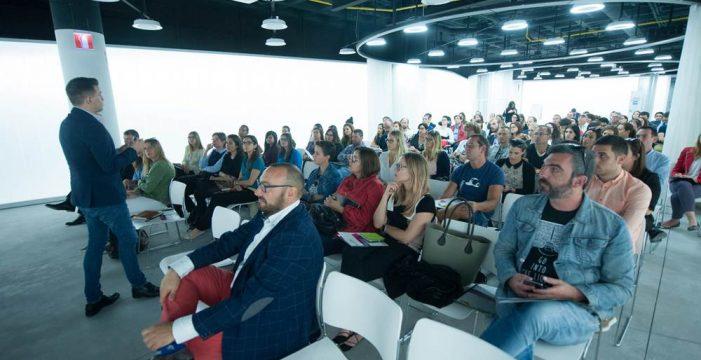 La escuela de negocios The Valley estrena un programa de turismo digital para Canarias