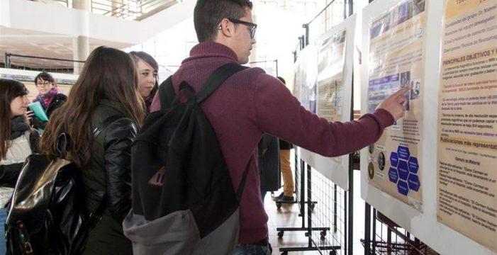 Educación concede más de 5.000 becas universitarias este curso