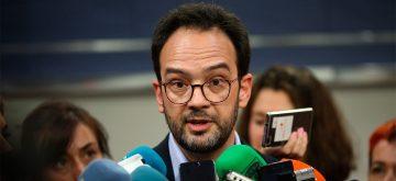 """Hernando acusa a Iglesias de """"hacer el gamberro"""" en el Congreso"""