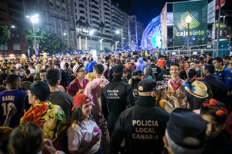 Resultado de imagen de Unos 600 policías nacionales en el dispositivo del carnaval de Santa Cruz
