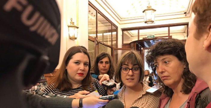 """Mofa en twitter de las """"estresadas"""" diputadas que viajaron para votar la estiba"""