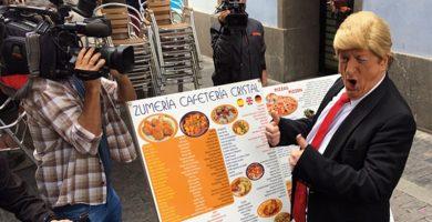 'Trump' se da un paseo por Las Palmas para promocionar el show de Gurruchaga
