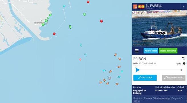 Un accidente en el Puerto de Barcelona provoca el hundimiento de un barco