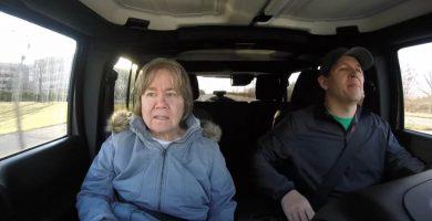 Un hombre graba el momento en el que su madre, con demencia, no le reconoce por primera vez