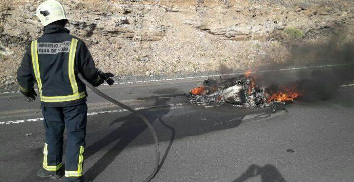 Un motorista resulta herido tras una caída en Guía de Isora