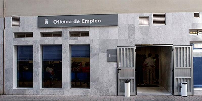 El paro cae en personas en canarias en marzo for Oficina de paro barcelona