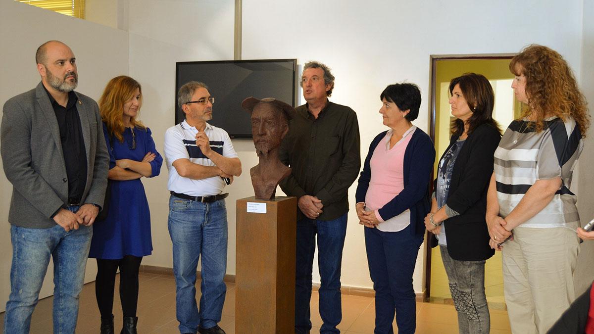Presentación de la escultura en la sala de exposiciones del museo. S.Méndez