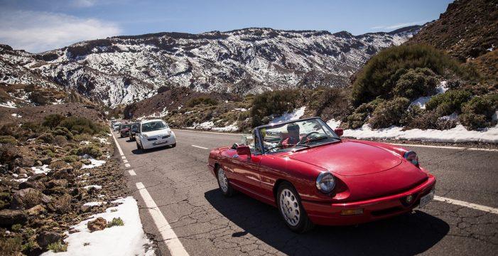 El 70% de los visitantes del Teide accede en coche y el 2%, en Titsa
