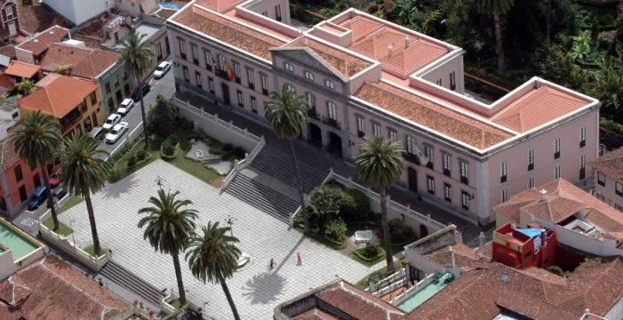 Las zonas verdes de la plaza del Consistorio recuperarán los paseos entre jardines